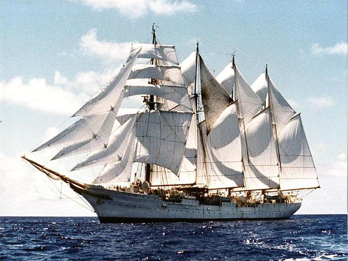 buque-escuela-juan-sebastian-elcano